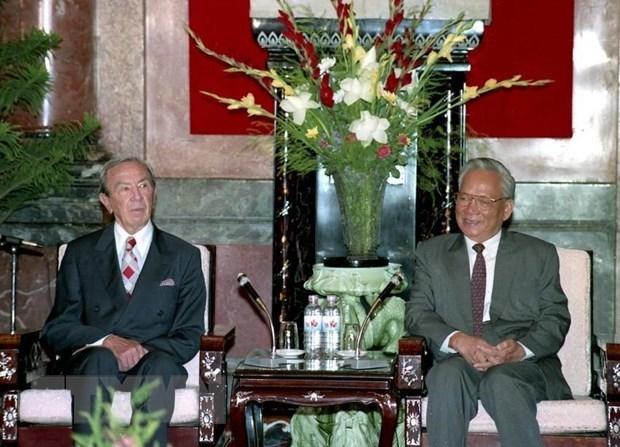Chủ tịch nước Lê Đức Anh tiếp Bộ trưởng ngoại giao Hoa Kỳ Warren Christopher, ngày 5/8/1995, tại Phủ Chủ tịch. (Ảnh: TTXVN)