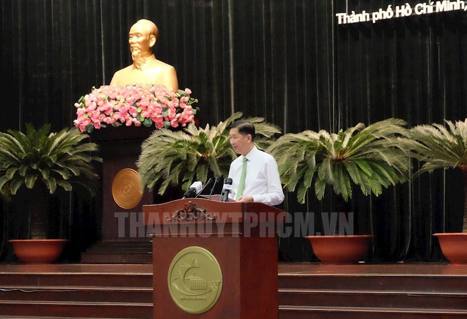 Phó Chủ tịch UBND TP Trần Vĩnh Tuyến phát biểu tại hội nghị