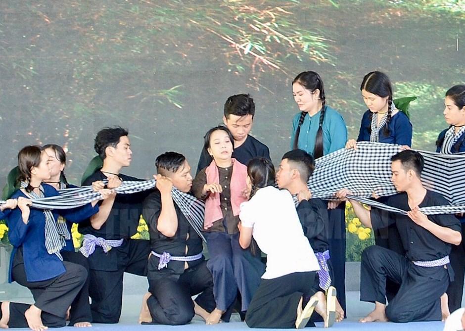 Chương trình sân khấu hoá tại buổi họp mặt truyền thống Cách mạng Sài Gòn – Chợ Lớn – Gia Định – TPHCM.