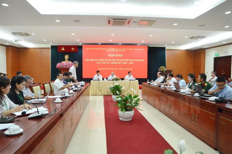 Các đại biểu tham dự buổi họp.  (Ảnh: Việt Phan)