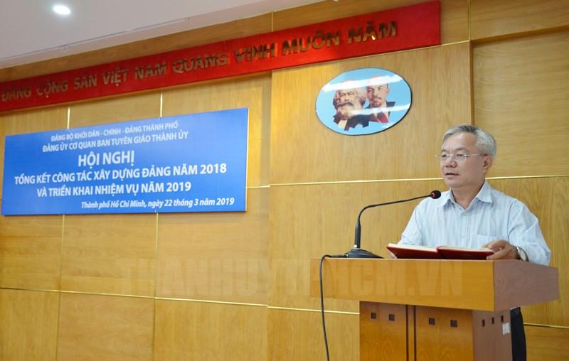 Bí thư Đảng ủy, Phó trưởng Ban Tuyên giáo Thành ủy TPHCM Dương Thế Trung phát biểu tại hội nghị. (Ảnh: Việt Phan)
