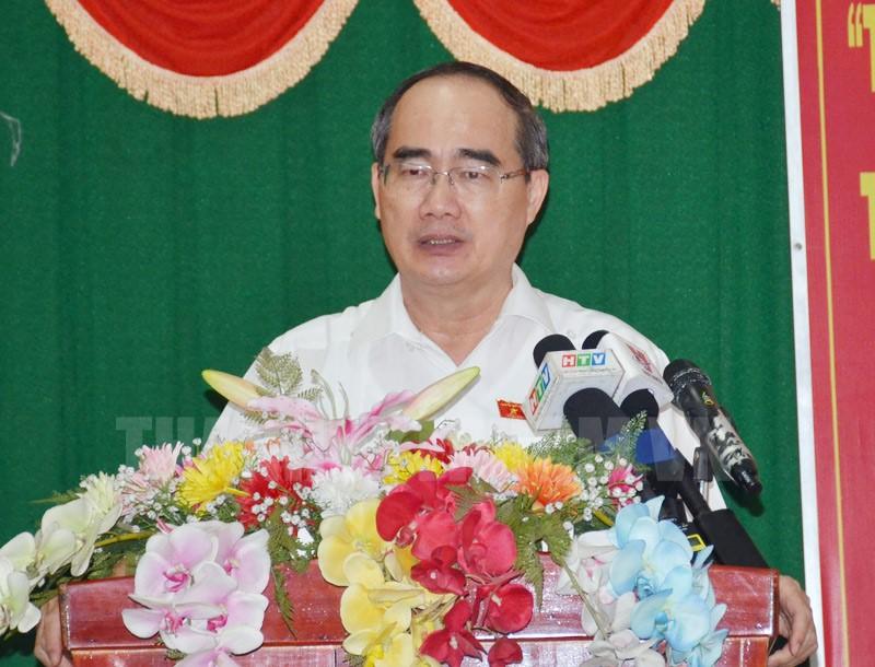 Bí thư Thành ủy TPHCM Nguyễn Thiện Nhân phát biểu tại buổi tiếp xúc cử tri.